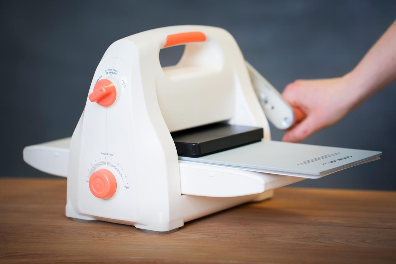 Je kunt snijmallen van andere merken gebruiken in deze machine