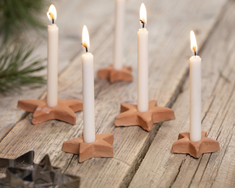 maak je eigen kerstversieringen met zelfhardende klei - ster kandelaars