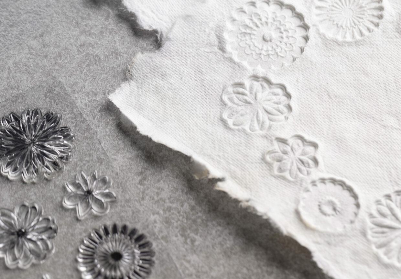 diy papier maken, handgeschept papier met stempels
